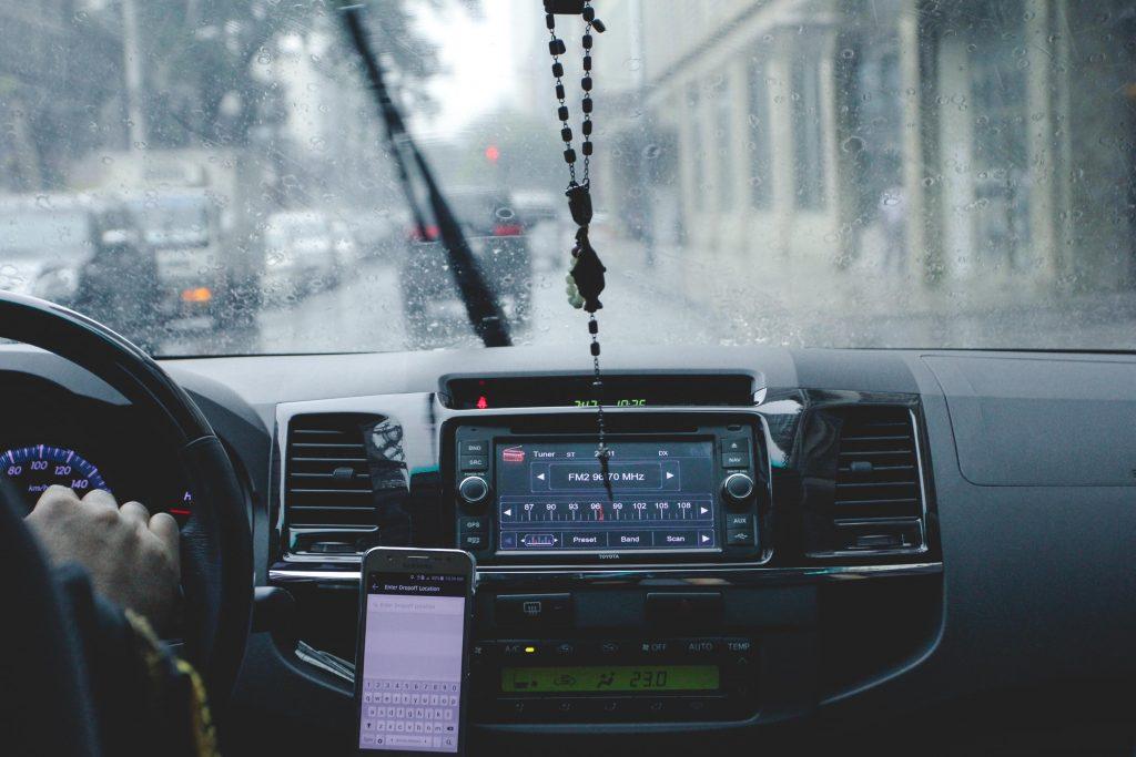 Móvil al volante